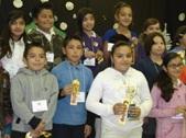 Felicidades especiales a las ganadoras: primer lugar, Anna Esparza (en la foto con blanco) y el segundo lugar, Leslie Sánchez (en la foto con rosado)