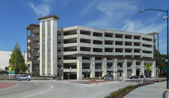Oak Street Parking Facility