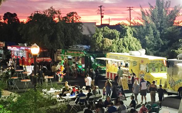 Food Truck Mania, 2000 x 1329 px