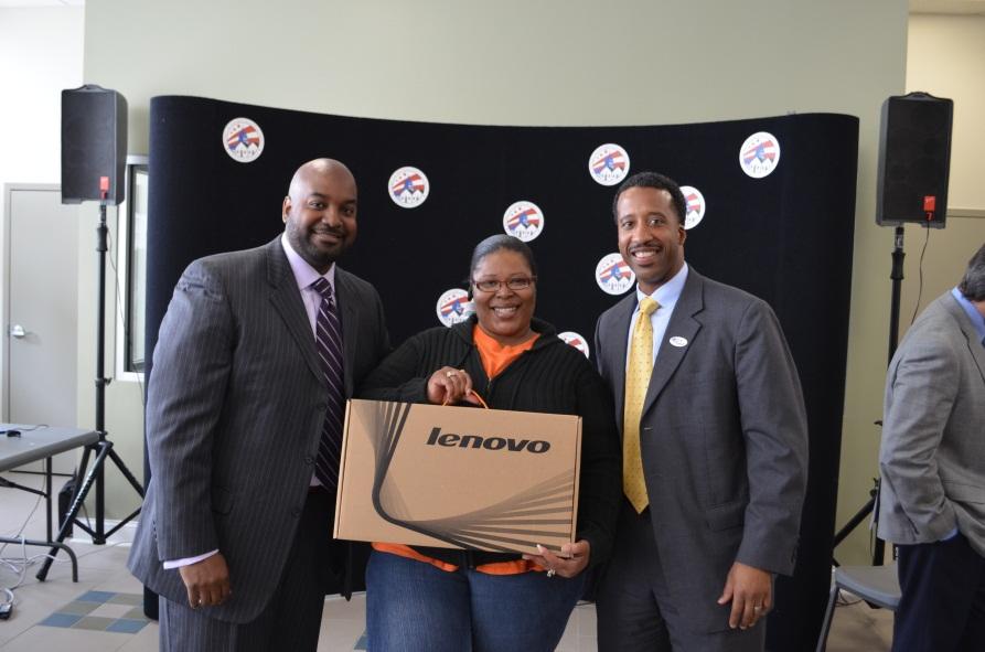 Lorain Pitman, winner of laptop giveaway