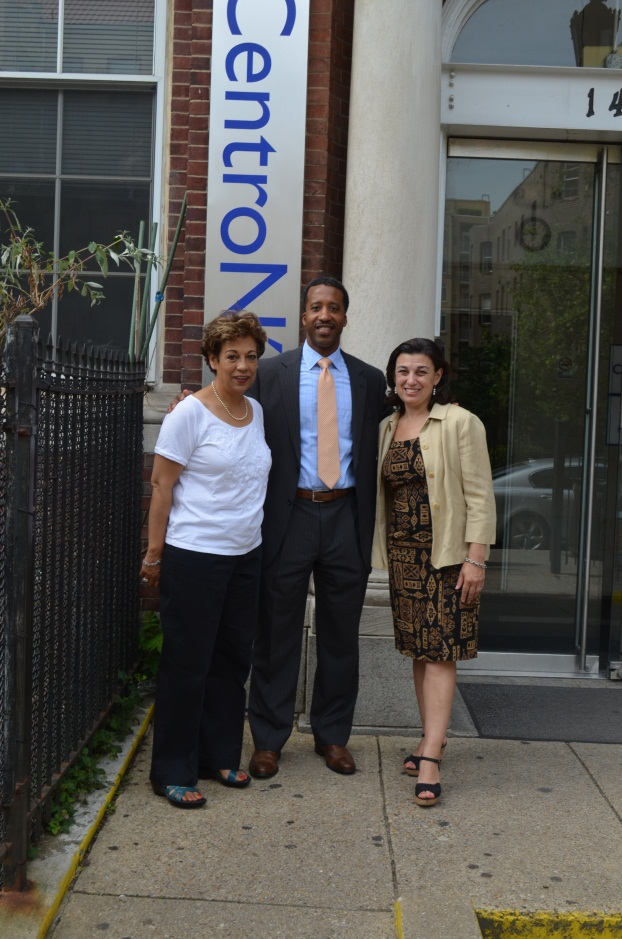 Councilmember McDuffie visits  the CentroNía School