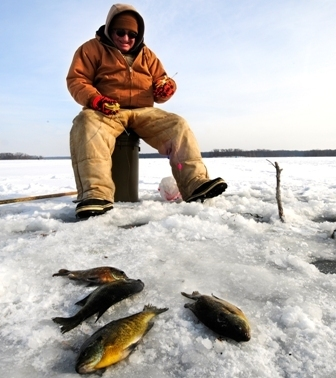 Wild bulletin outdoor news from indiana dnr for Ice fishing indiana