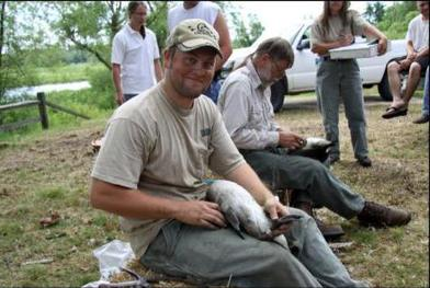 Wild bulletin outdoor news from indiana dnr for Indiana fishing license age
