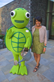Photo of Mayor with the GGi Turtle