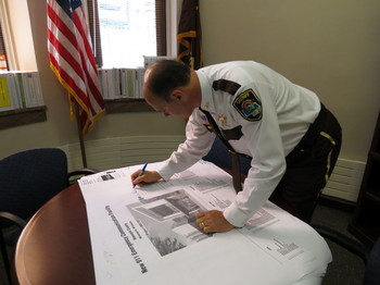 Sheriff Stanek approves 911 design plans