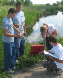 Students monitor water at Bee Lake outlet
