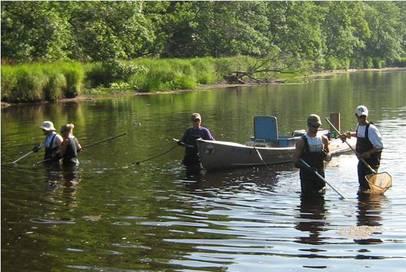 MPCA water monitoring crew