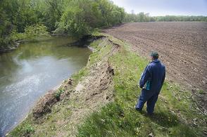 Maple River lacks buffers