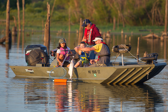 Mdc free fishing days june 6 7 missouri whitetails for Mo fishing license