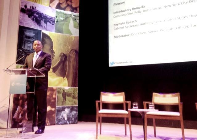 Photo of Secretary Foxx speaking at Transforming Access