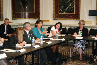STEM teachers discuss Master Teacher Corps with Presidential advisors and Duncan