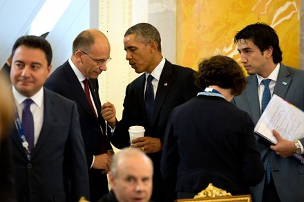 President Barack Obama talks with Prime Minister Enrico Letta of Italy before a plenary session at Konstantinovsky Palace during the G20 Summit in Sai