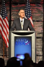 Francisco Sanchez speaking at the SelectUSA 2013 Investment Summit