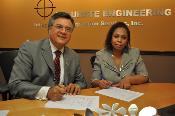 Photo Left to Right: Ruben Garcia, SBA District Director, San Diego; Aldrica Lattimore, President/CEO, NAMC San Diego and Imperial County Chapter