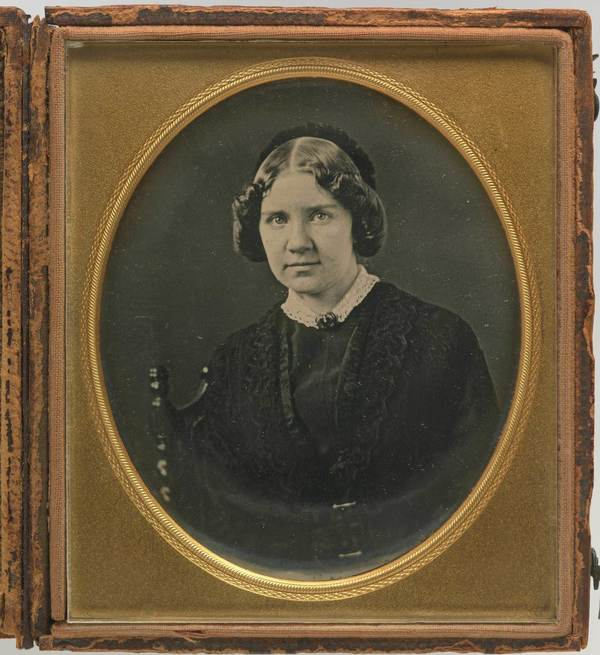 old photograph of nineteenth century woman