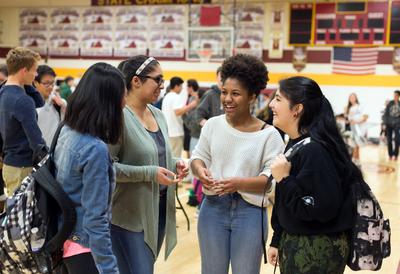 HS girls talking