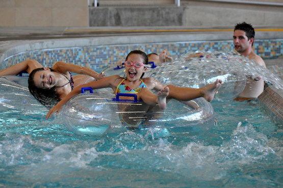 Recreation center holiday hours for Lynnwood swimming pool schedule