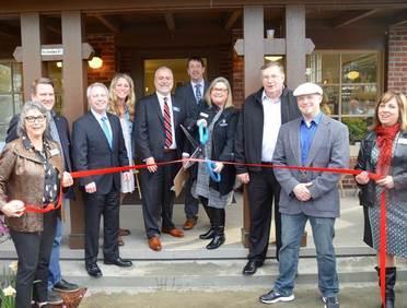 Lynnwood Chamber ribbon cutting April 2017