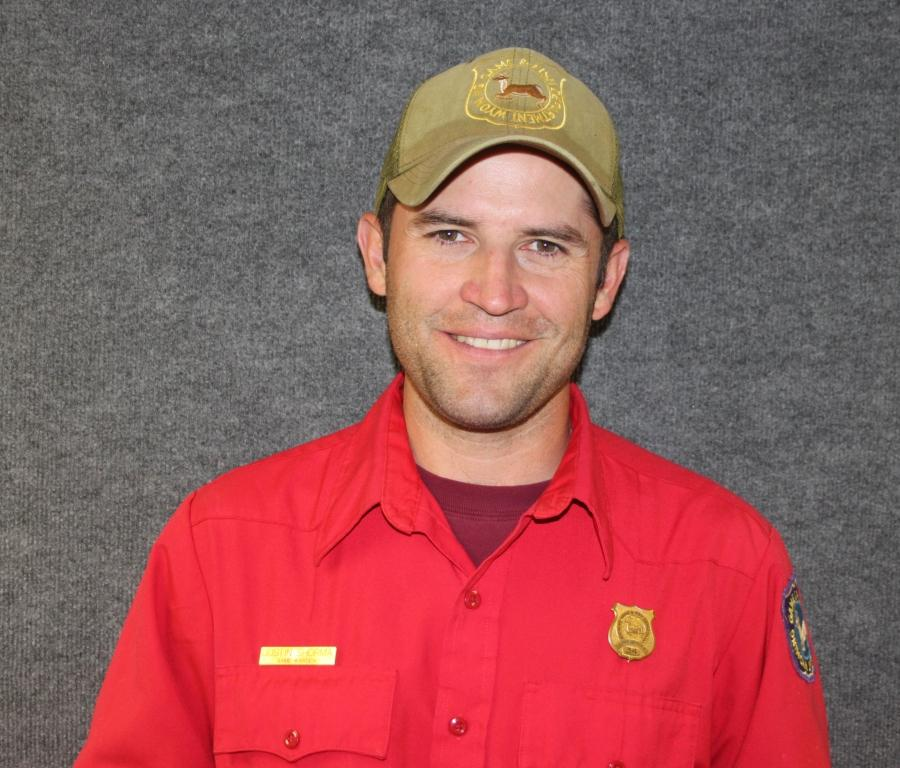 Dayton game warden dustin shorma named 2015 peace officer for Wyoming game and fish license