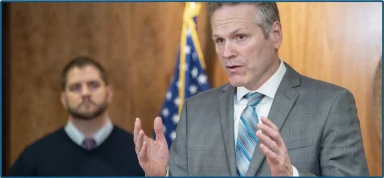 Governor Dunleavy and Commissioner Crum update Alaskans during a press briefing
