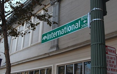 INternational Boulevard street sign