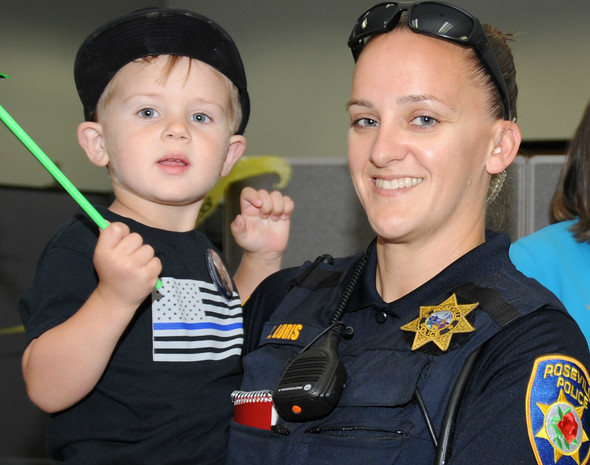 police woman with child