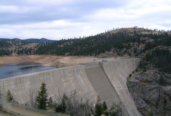 Photo of the dam at Gross