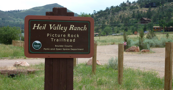 Picture Rock Trailhead sign