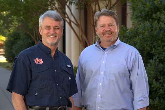 Auburn Professor Robert Boyd (left) and Mincy Moffett (Auburn University)