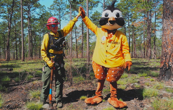 High five for prescribed fire: Shan Cammack and Burner Bob (Randy Tate/Longleaf Alliance)