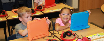 Elementary students experiencing computer science