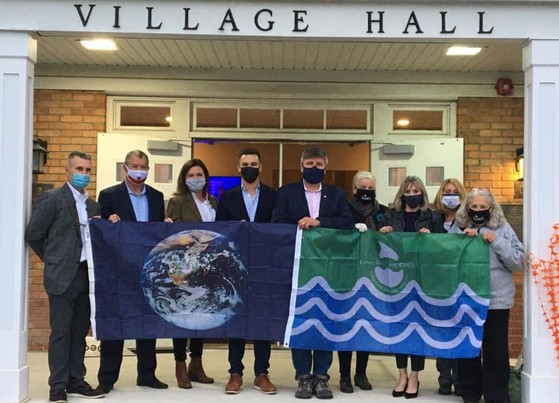 Clarendon Hills Earth Flag Presentation