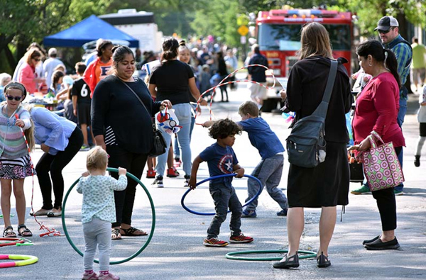 Streets Alive 2017 (photo by Genie Lemieux/Evanston Photographic Studios Inc.)