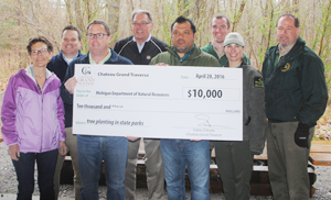 Chateau Grand Traverse check presentation