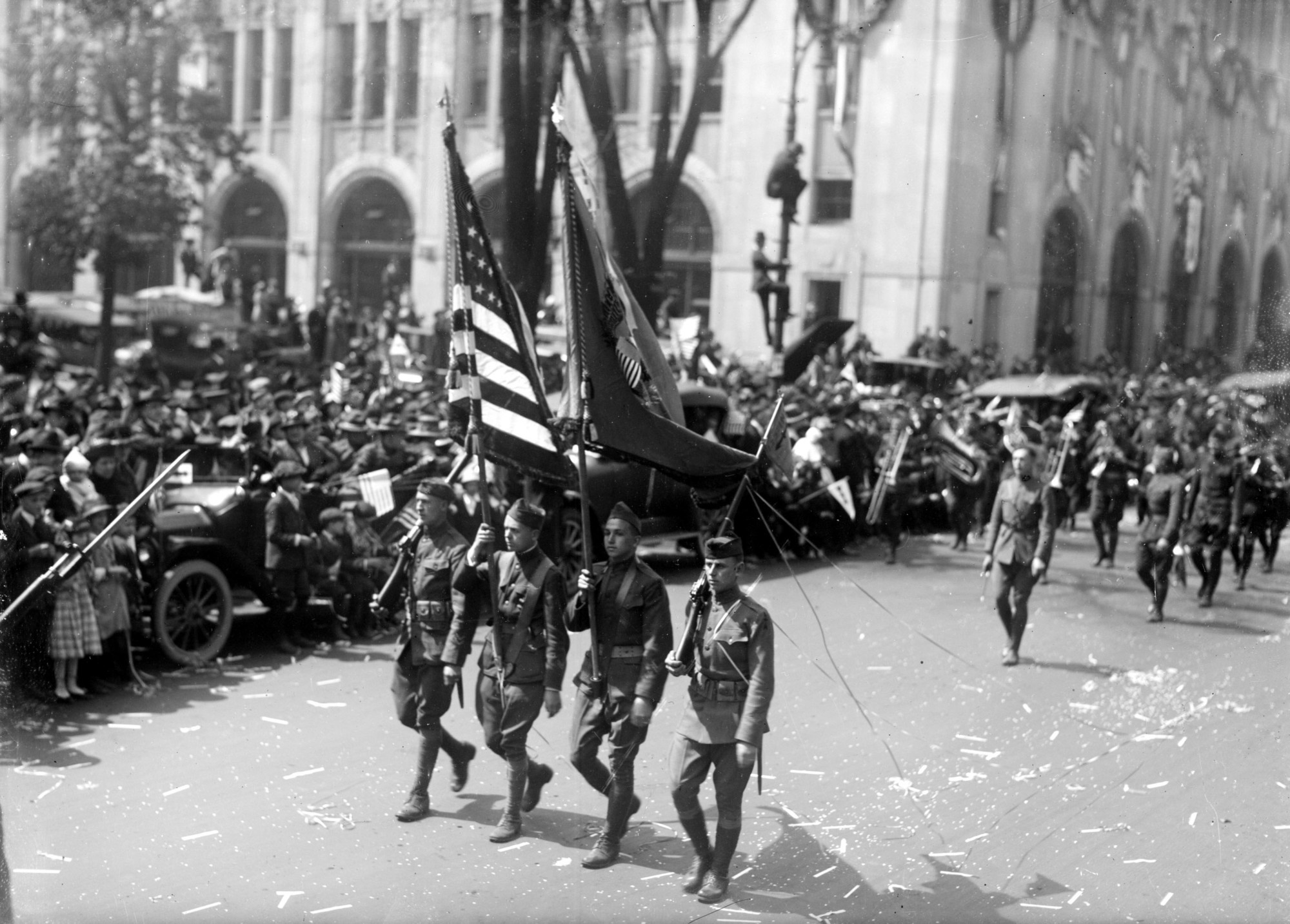 The 32nd Division marching in their return from World War I, marching in the Detroit parade.