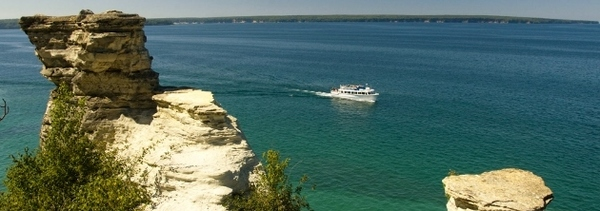 Pictured Rocks and Miner's castle tourboat