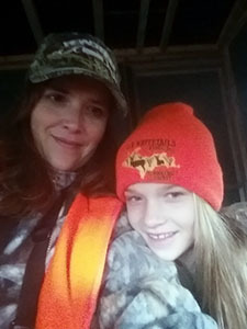 Michelle and Bailey Zellar, a Michigan mother-daughter hunting team.