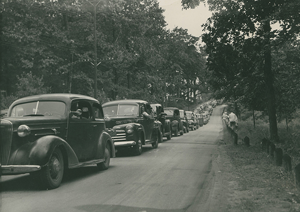 The historic photo, taken in 1940, shows a line of cars waiting to get into Dodge #4 State Park.