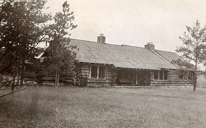 1930s photo of Pigeon River Country Discovery Center building