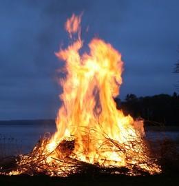 A brush pile burning