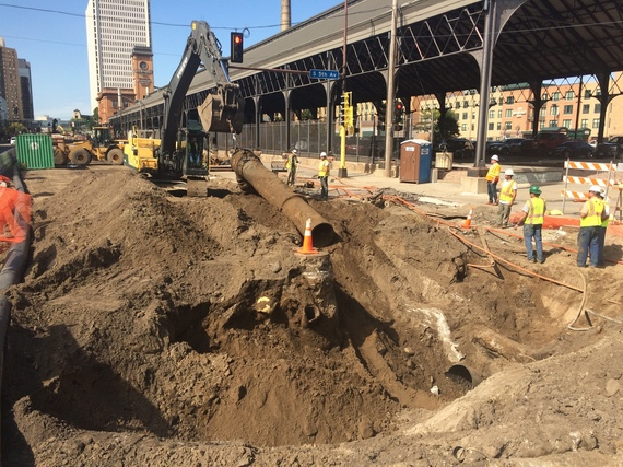Crews remove old sewer pipes at the Fifth Avenue intersection