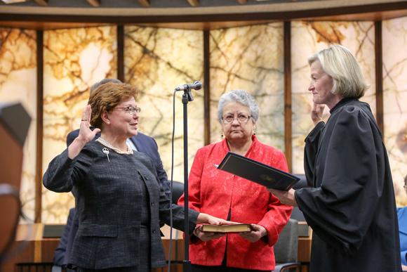Goettel taking oath of office