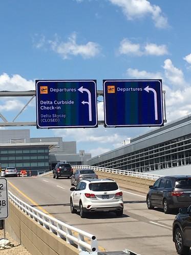 delta road sign