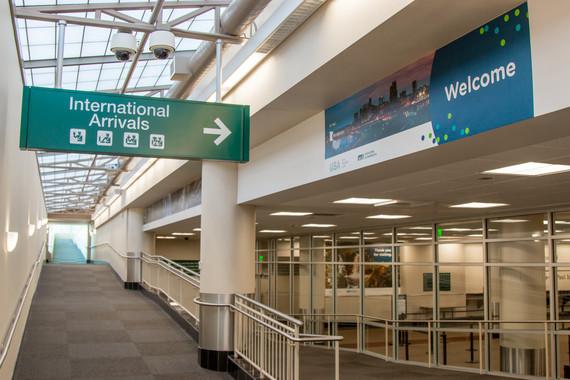 int'l arrivals area
