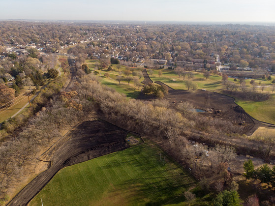 Northern Columbia golf course and park