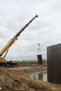 Crews put up panels for Kasson-Mantorville WWTF project