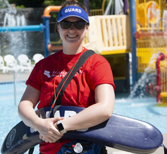female lifeguard at Battle Creek Waterworks