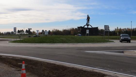 Chisholm roundabout 4