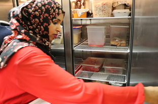 Image of member of Somali food business partnership that won Healthy10 Award