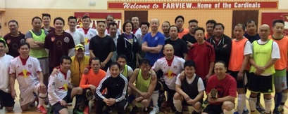 Minneapolis Mayor Betsy Hodges (center) and participants of the 2016 Southeast Asian Soccer Engagement Program